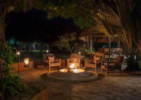 thornicroft-lodge-south-luangwa-mfuwe-area-zambia-in-style-lodge-campfire